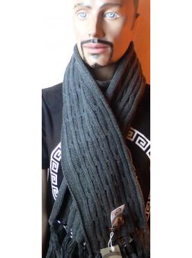 très belle écharpe crossby tricoté a grosse maille