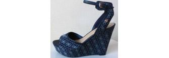Chaussure Guess Escarpin Compensé couleur ivoire