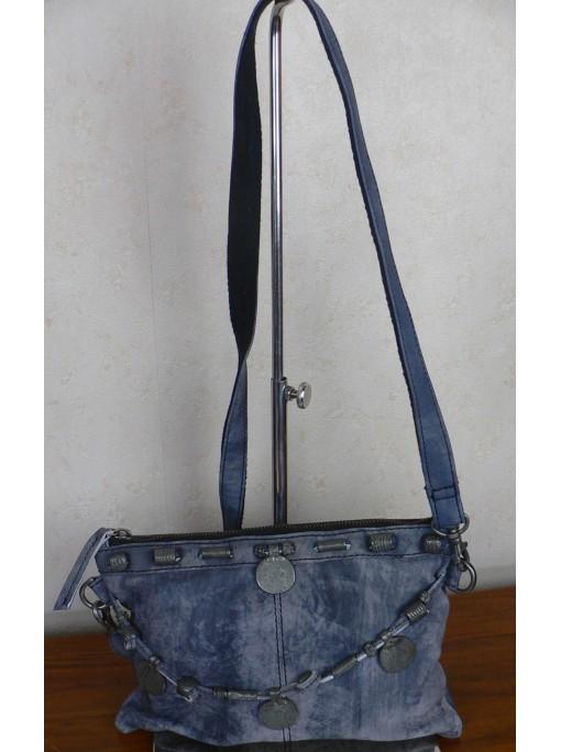 pochette cuir sauvage bleu veilli