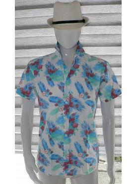 chemise manche courte imprimé fleurs orchidées rouge avec des plumes bleue