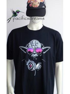 Découvrez ce très beau T-Shirt Mode Homme fantaisie yoda D J